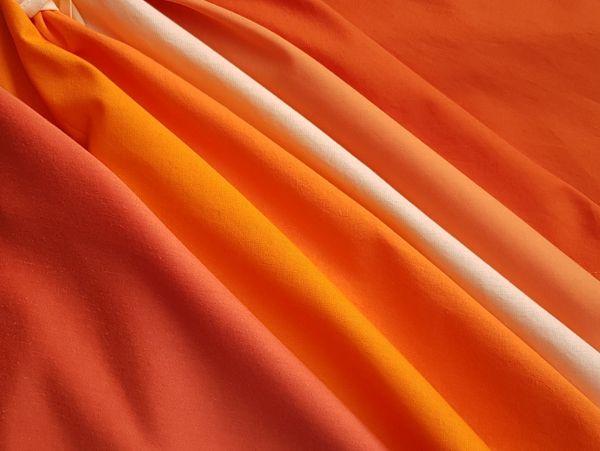 Farbberatungstücher in Orangenuancen