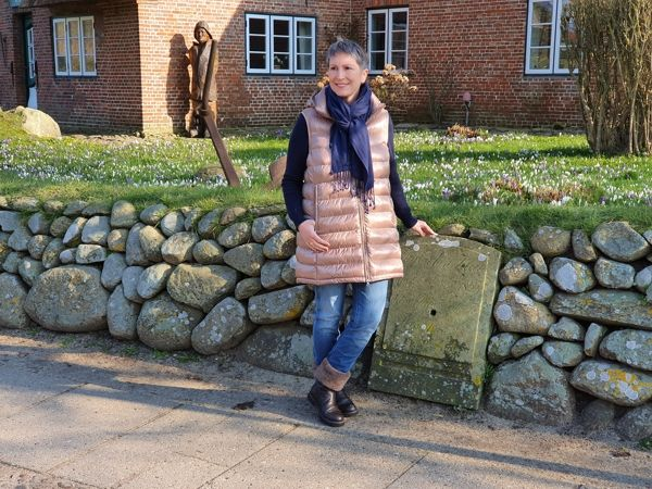 Ines Meyrose – Outfit 2020 – Puffer-Weste – lange Steppweste – Ü40 Bloggerin