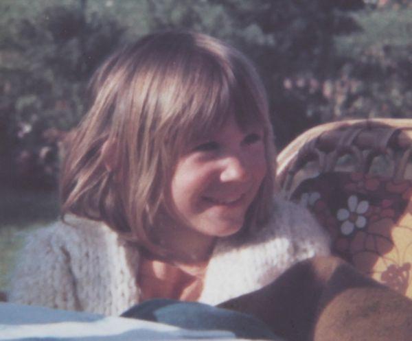 Ines Meyrose in den 1970ern im Garten