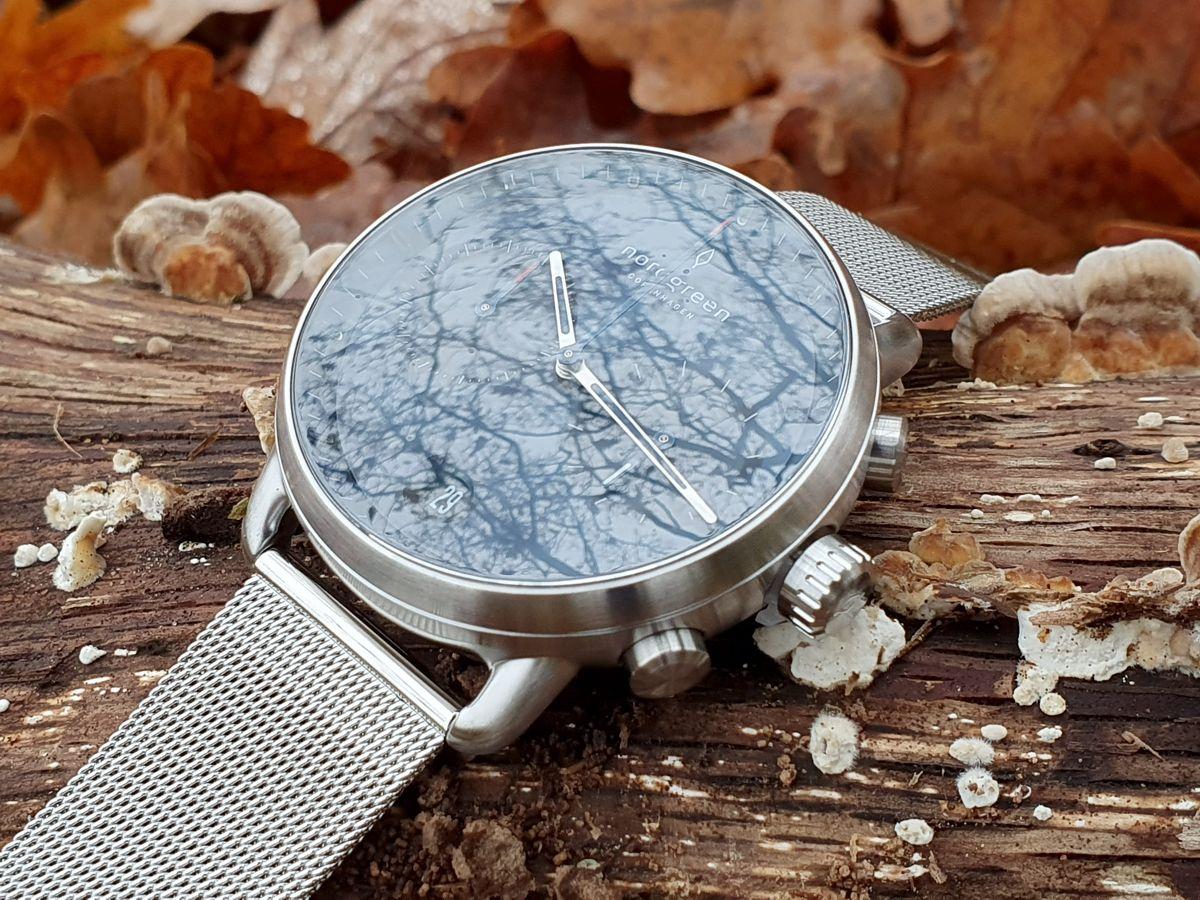 Nordgreen - The Pioneer - Chronograph Uhr für Herren mit Ziffernblatt Blau, Gehäuse 42 mm Silber, Mesharmband Silber