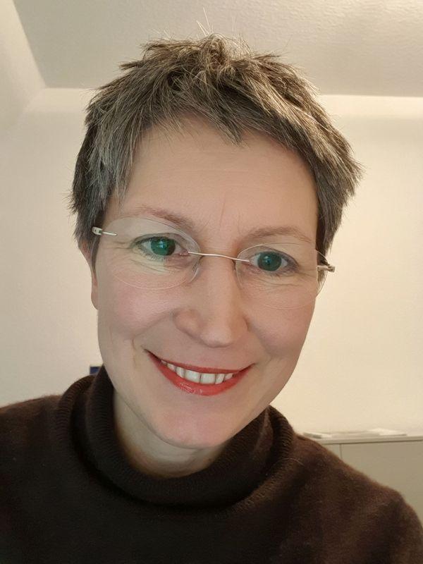 Ines Meyrose Portrait Videomeeting