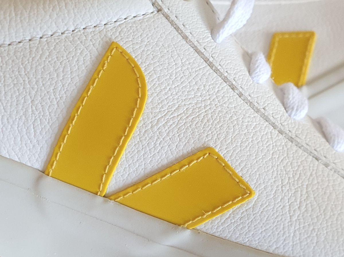 Sneaker VEJA Campo chromfrei extra-white_tonic mit Logo in Gelb