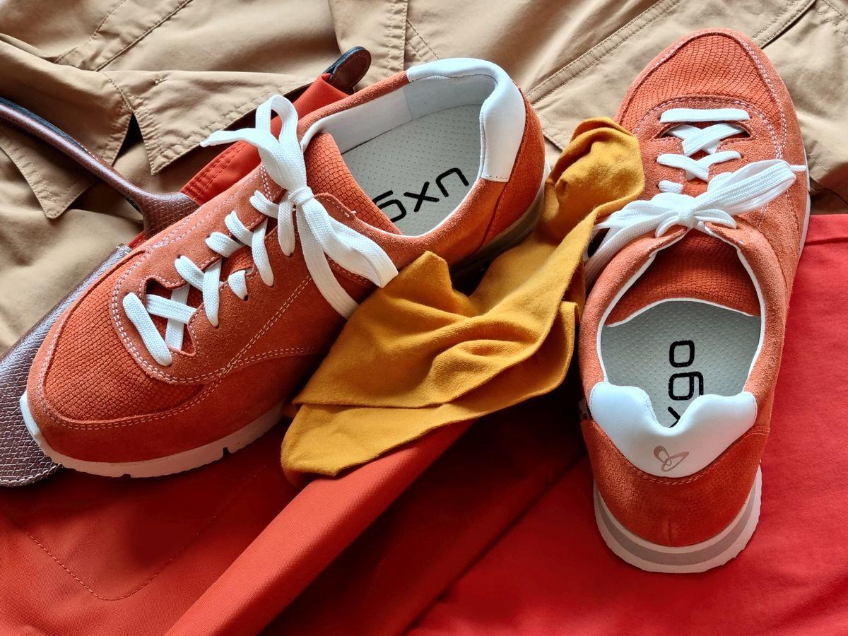 UXGO Schuhe für Hallux in Weite G - Modell Amber - in warmen Rot-/Orange-Brauntönen kombiniert für den Herbstfarbtyp